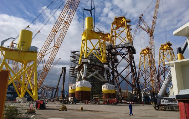 Suction Offshore Wind Turbine Foundation : Vattenfall moves to suction buckets for offshore wind