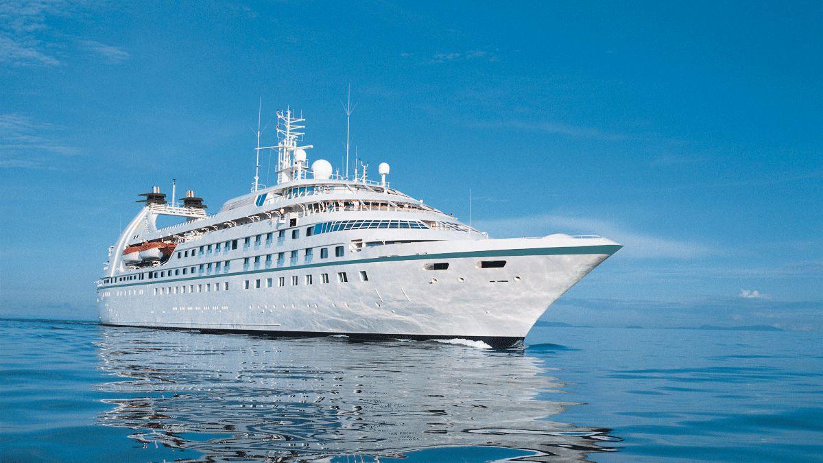 Windstar Cruise Ship Runs Aground Off Panama