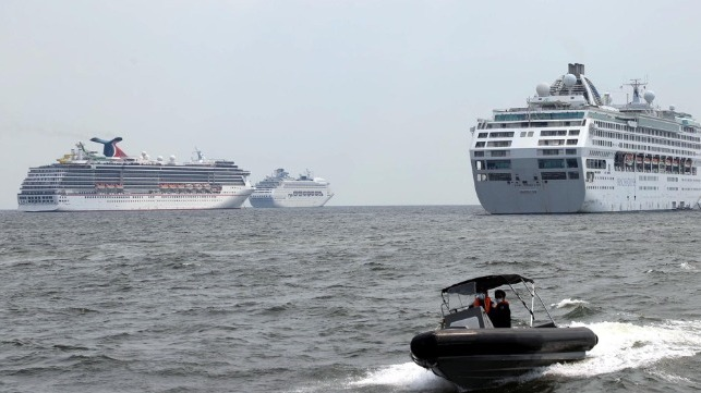 cruise ships in manila bay quarantine