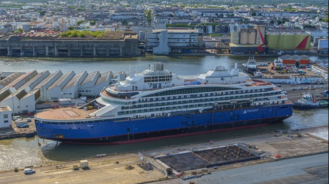 LNG fueled battery system polar cruise ship