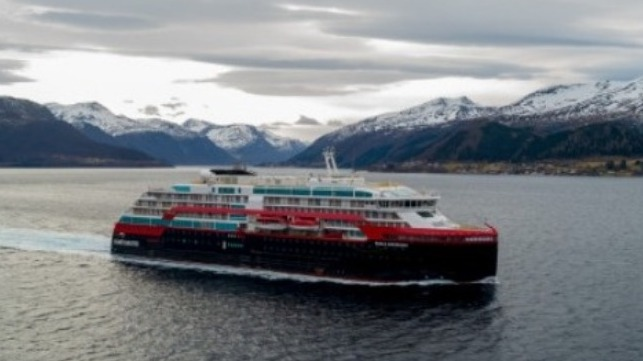 Hurtigruten suspends expedition cruises in face of COVID-19 outbreak