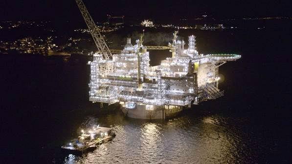 Watch: Aasta Hansteen Topside Float-Over - Clipper Oil