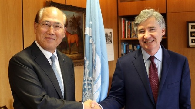 Kitack Lim and Christopher O. Davis at IMO headquarters in London, November 15, 2018.