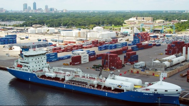 The first international vessel to furn LNG fueled took place recently at Jacksonville