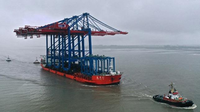 Three New Cranes Arrive at Port of Hamburg - The Maritime Executive
