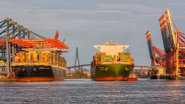 Hamburg forecasts beginning of recovery in volumes