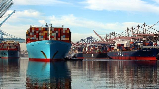 record volumes at Los Angeles despite trade imbalance