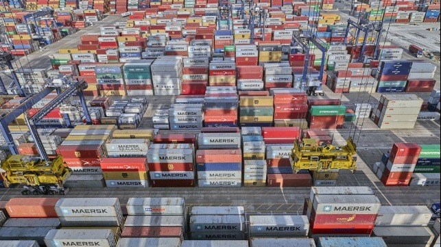 container freight rates at record highs