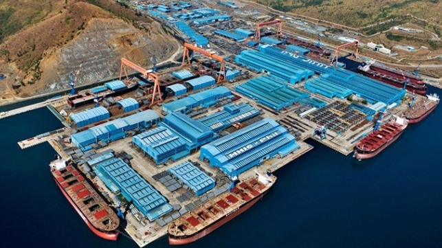 Port of Manila(Theurbanhistorian - Own work, CC BY-SA 3.0)