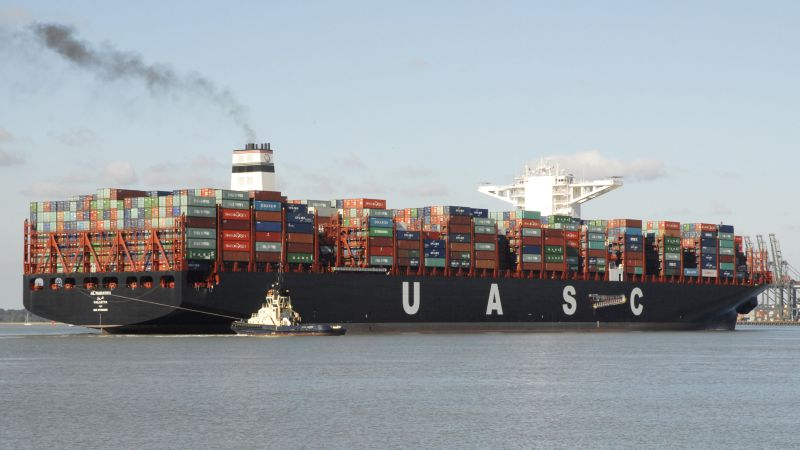 Container Ship Loads New TEU Record