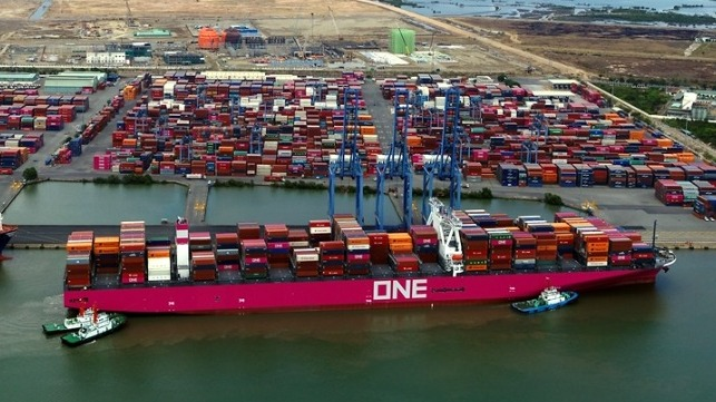 One of the largest incidents of containers lost or damaged at sea
