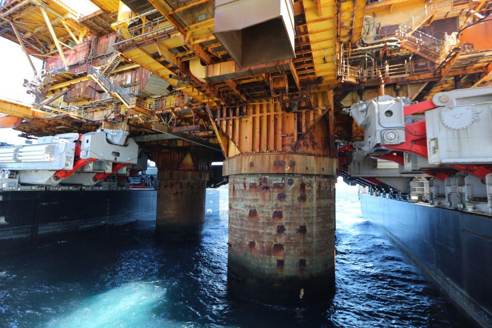 Photos: Pioneering Spirit Removes Brent Delta Platform