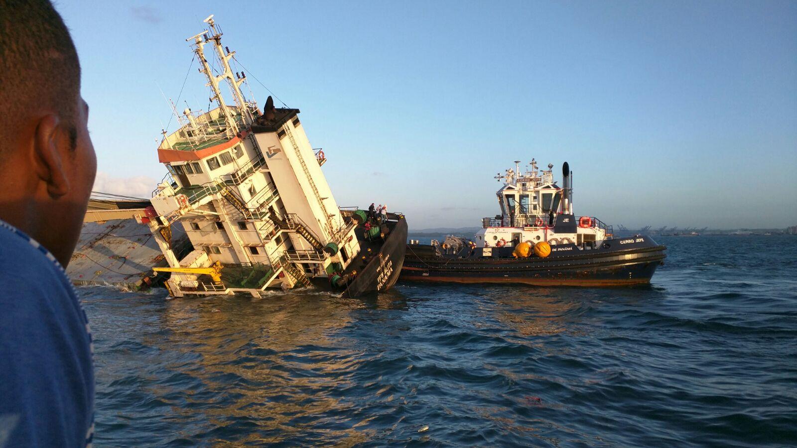 Video Cargo Vessel Vfm Alita Sinks Off Panama