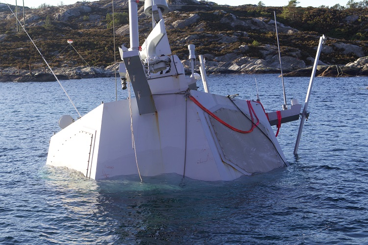 https://www.maritime-executive.com/media/images/article/Photos/Wreckage_Salvage/helge-ingstad-1a.jpeg